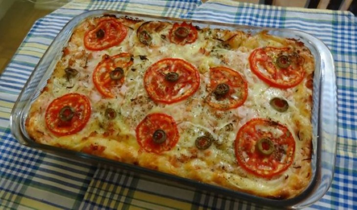 Receita de pizza de forno para reunir os amigos.